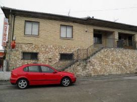 Piso en venta en Navalilla, Navalilla, Segovia, Travesía Escobaron, 36.000 €, 4 habitaciones, 2 baños, 119 m2