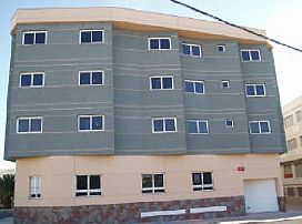Piso en venta en Santa Lucía de Tirajana, Las Palmas, Pasaje 8 de Marzo, 99.750 €, 4 habitaciones, 2 baños, 107 m2