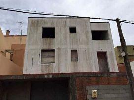 Casa en venta en Algeciras, Cádiz, Calle Adalides, 211.000 €, 3 habitaciones, 261,1 m2