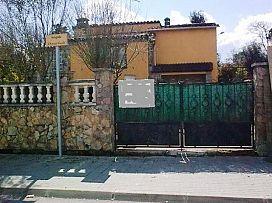 Casa en venta en Caldes de Malavella, Girona, Calle Antoni Gaudi, 117.600 €, 3 habitaciones, 184 m2