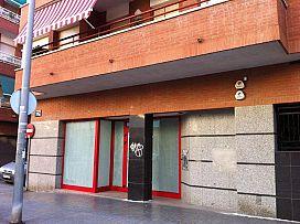 Local en venta en Badalona, Barcelona, Calle Apenins, 235.000 €, 196,71 m2