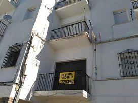 Piso en venta en Benaocaz, Cádiz, Calle Fray Domingo de Benaocaz Edif.zaida, 43.500 €, 3 habitaciones, 1 baño, 76 m2
