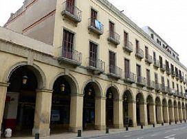 Piso en venta en Can Bertran, la Bisbal D`empordà, Girona, Avenida Les Voltes, 150.000 €, 4 habitaciones, 2 baños, 140 m2