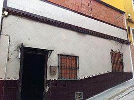 Piso en venta en Algeciras, Cádiz, Calle Guadalajara, 27.000 €, 2 habitaciones, 1 baño, 66 m2