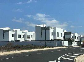 Piso en venta en Costa Teguise, Teguise, Las Palmas, Calle Timple, 187.200 €, 3 habitaciones, 2 baños, 117 m2