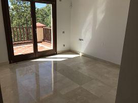 Casa en venta en Casa en Marbella, Málaga, 652.500 €, 3 habitaciones, 556 m2