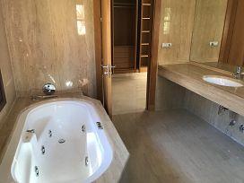Casa en venta en Casa en Marbella, Málaga, 763.500 €, 3 habitaciones, 556,21 m2