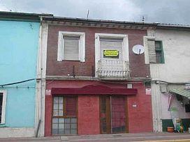 Casa en venta en Toral de los Vados, Toral de los Vados, León, Avenida Santalla de Oscos, 35.400 €, 5 habitaciones, 244 m2