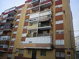 Piso en venta en Huelva, Huelva, Calle Legion Española, 57.000 €, 3 habitaciones, 1 baño, 85 m2