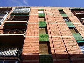 Piso en venta en El Carme, Reus, Tarragona, Calle Sant Ferran, 54.000 €, 4 habitaciones, 1 baño, 81 m2