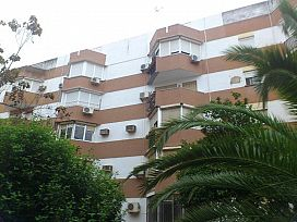 Piso en venta en Distrito Sur, Sevilla, Sevilla, Calle Nuestra Señora de la Oliva, 52.000 €, 3 habitaciones, 1 baño, 70 m2
