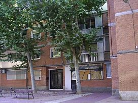 Piso en venta en Reyes Católicos, Alcalá de Henares, Madrid, Plaza Narbona, 76.000 €, 1 baño, 80 m2