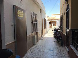 Piso en venta en Chipiona, Cádiz, Calle Ciprés, 82.000 €, 2 habitaciones, 1 baño, 68 m2