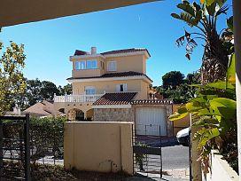 Casa en venta en Benalmádena, Málaga, Avenida de la Hacienda, 532.000 €, 5 habitaciones, 385 m2