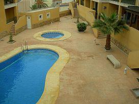 Piso en venta en Cuevas del Almanzora, Almería, Calle El Mirador de Cirera, 57.000 €, 3 habitaciones, 125 m2