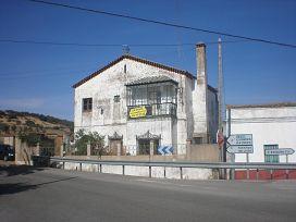 Casa en venta en Cumbres Mayores, Huelva, Calle Estación, 55.100 €, 5 habitaciones, 198 m2