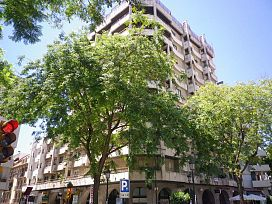 Oficina en venta en Huelva, Huelva, Calle Tres de Agosto, 256.380 €, 367 m2