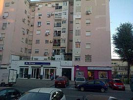 Piso en venta en Distrito Este-alcosa-torreblanca, Sevilla, Sevilla, Avenida Ildefonso Marañon Lavin, 90.000 €, 3 habitaciones, 1 baño, 84 m2