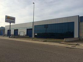 Industrial en venta en Zafra, Badajoz, Calle Guadajira. Parcela 235-236, 424.500 €, 2602,78 m2