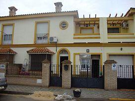 Casa en venta en Huévar del Aljarafe, Huévar del Aljarafe, Sevilla, Calle Encina, 71.000 €, 3 habitaciones, 3 baños, 114,12 m2