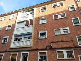 Piso en venta en Estella/lizarra, Navarra, Calle de Logroño, 54.000 €, 3 habitaciones, 1 baño, 68 m2