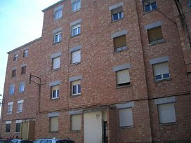 Piso en venta en Mas del Camatxo, Cervera, Lleida, Calle Estadi, 47.800 €, 3 habitaciones, 1 baño, 100 m2