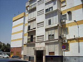 Piso en venta en Distrito Macarena, Sevilla, Sevilla, Calle Comunidad Gallega, 54.000 €, 3 habitaciones, 1 baño, 66 m2