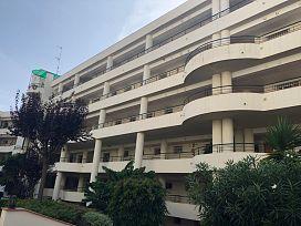 Piso en venta en Guadalmina, Marbella, Málaga, Urbanización Guadalmina Alta, Edf Ulla, 220.000 €, 2 habitaciones, 2 baños, 139 m2