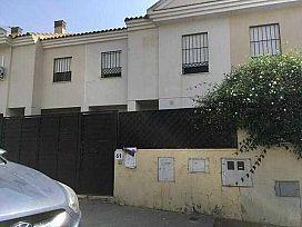 Casa en venta en Barriada de León, Tomares, españa, Calle Estacada del Pozo, 159.000 €, 4 habitaciones, 3 baños, 111 m2