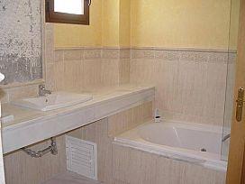 Piso en venta en Nagüeles, Marbella, Málaga, Urbanización Lomas del Virrey, 450.000 €, 1 baño, 164 m2