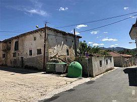 Casa en venta en Medina de Pomar, Burgos, Barrio Nuestra Señora Nieva, 53.000 €, 4 habitaciones, 2 baños, 345 m2