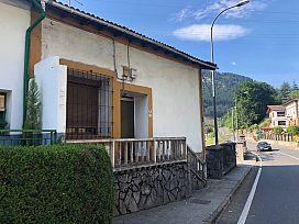 Casa en venta en Taramona, Güeñes, Vizcaya, Calle Askatasuna, 265.000 €, 4 habitaciones, 3 baños, 189 m2
