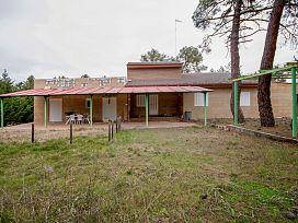 Casa en venta en Urbanización Pinar de Parraces, Marugán, Segovia, Calle del Chopo, 110.600 €, 4 habitaciones, 2 baños, 160 m2