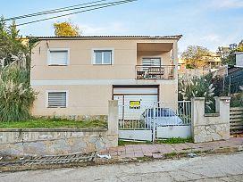 Casa en venta en Can Gavina, Maçanet de la Selva, Girona, Calle de la Font, 150.000 €, 4 habitaciones, 2 baños, 178 m2