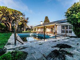 Casa en venta en El Águila, El Puerto de Santa María, Cádiz, Avenida Eduardo Y Felipe Osborne, 1.853.100 €, 6 habitaciones, 5 baños, 701 m2