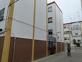Piso en venta en Distrito Macarena, Sevilla, Sevilla, Calle Brenes, 58.000 €, 3 habitaciones, 1 baño, 66 m2