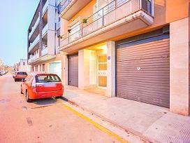 Piso en venta en La Bisbal D`empordà, Girona, Calle Rec del Moli, 154.000 €, 2 habitaciones, 2 baños, 146 m2