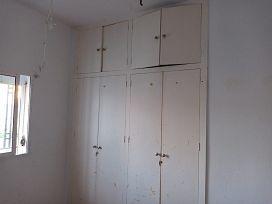 Casa en venta en Urbanización Campo Alegre, Alcalá de Guadaíra, Sevilla, Urbanización la Tinajas, 129.000 €, 3 habitaciones, 1 baño, 147 m2