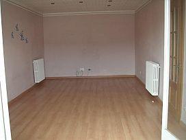 Piso en venta en Piso en Olvan, Barcelona, 70.000 €, 4 habitaciones, 1 baño, 94 m2