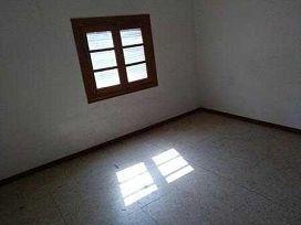 Casa en venta en La Solana, Ciudad Real, Calle Navas de Tolosa, 27.000 €, 4 habitaciones, 1 baño, 138 m2