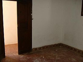 Piso en venta en Piso en Santa Lucía de Tirajana, Las Palmas, 60.800 €, 2 habitaciones, 1 baño, 81 m2