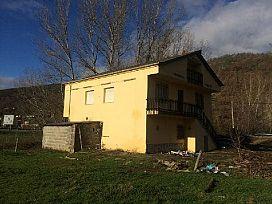 Piso en venta en Trabadelo, León, Carretera Nacional Vi, 57.000 €, 5 habitaciones, 5 baños, 130 m2