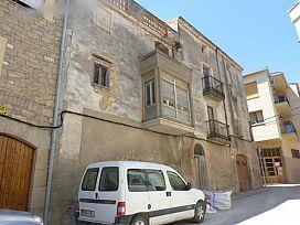 Piso en venta en El Casal, L` Albi, Lleida, Calle Mossen Anton, 44.000 €, 5 habitaciones, 2 baños, 218 m2