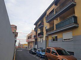 Piso en venta en Cabo Blanco, Arona, Santa Cruz de Tenerife, Calle de la Iglesia, 115.000 €, 3 habitaciones, 2 baños, 91 m2