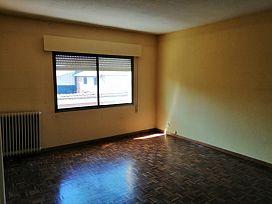 Piso en venta en Fuentesaúco de Fuentidueña, Fuentesaúco de Fuentidueña, Segovia, Calle Real Norte, 43.000 €, 3 habitaciones, 2 baños, 588 m2
