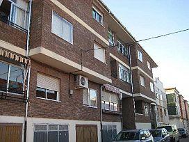 Piso en venta en Íscar, Valladolid, Calle San Pedro, 48.000 €, 3 habitaciones, 1 baño, 105 m2