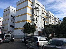 Piso en venta en Distrito Macarena, Sevilla, Sevilla, Calle El Real de la Jara, 51.000 €, 3 habitaciones, 1 baño, 54 m2
