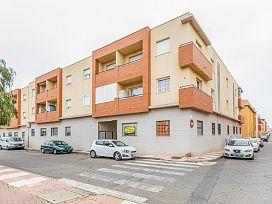 Piso en venta en Los Depósitos, Roquetas de Mar, Almería, Plaza de los Comediantes, 75.000 €, 3 habitaciones, 2 baños, 110 m2