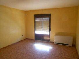 Piso en venta en Barrio de San Antón, Alhambra, Ciudad Real, Avenida Tercio San Fermin, 28.900 €, 3 habitaciones, 1 baño, 85 m2
