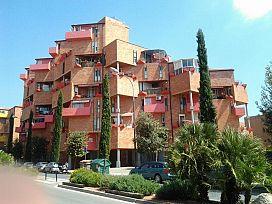 Piso en venta en Barri Gaudí, Reus, Tarragona, Avenida Barcelona, 46.400 €, 3 habitaciones, 1 baño, 105 m2